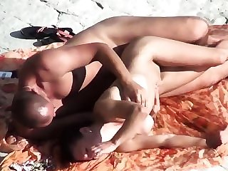 Voyeur on public beach. Sex with bird with silicone Boobs