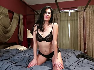 Hot ass brunette Theresa Soza drills her pussy with a dildo