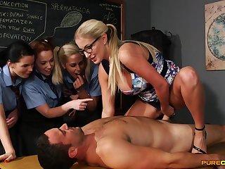 Wild light-haired lecturer flashes her schoolgirls how to gargle stiffy